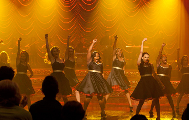 """Glee"" Winter Finale: Kelly Clarkson Performance and the GLEE-MAIDS?"