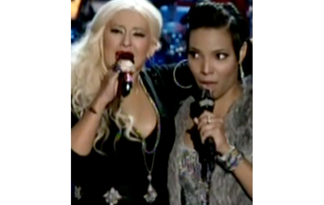 "Christina Aguilera Joins In on ""The Voice"" Contestant's Audition!"