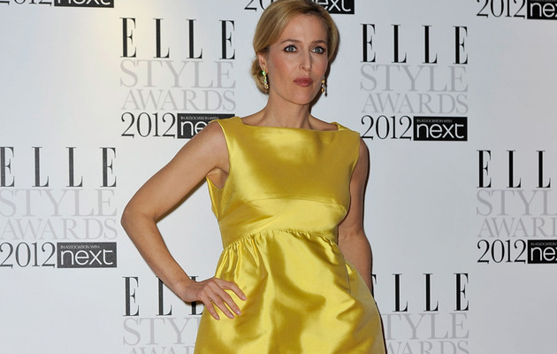 """X-Files"" Star Gillian Anderson Reveals Lesbian Relationships"
