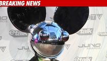 Deadmau5 to Fans -- Bring Me a New Head!