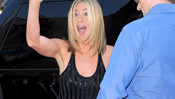 Jennifer Aniston Does 'Horrible Bosses' Premiere Solo