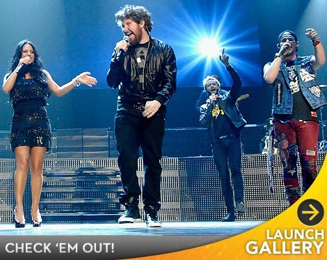 Pia Toscano Debuts New Song During 'American Idol' Tour