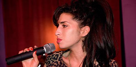 Breaking News: Amy Winehouse Dead, Stars React