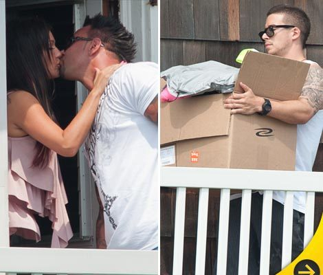 Photos: Casts Kisses 'Jersey Shore' Home Goodbye!