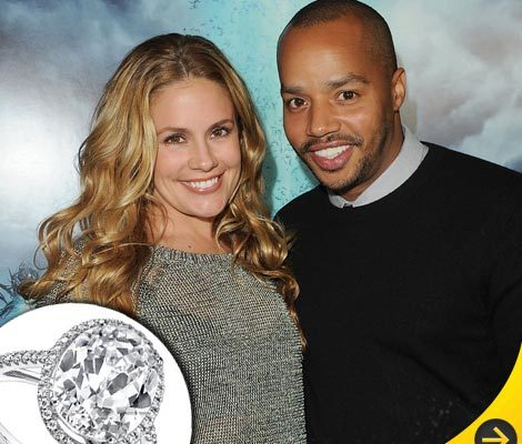 'Scrubs' Star's Giant Engagement Ring!