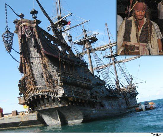 0803_pirates4_twitter