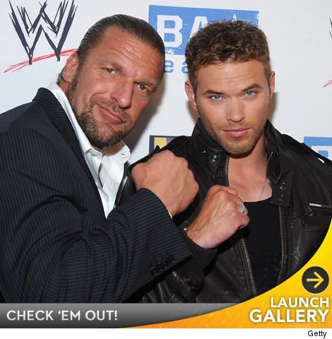 0812_wwe_launch