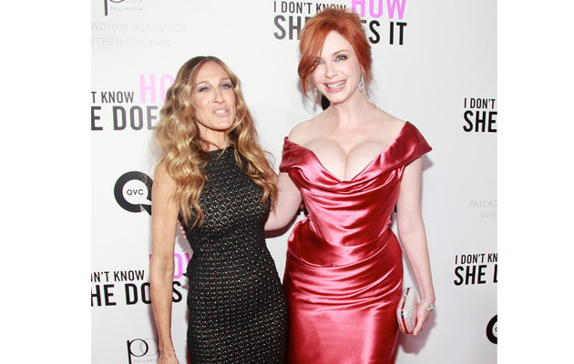 Christina Hendricks Steals SJP's Spotlight at Premiere