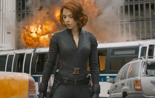 """Official """"Avengers"""" Photos: ScarJo, Evans & More In Action!"""