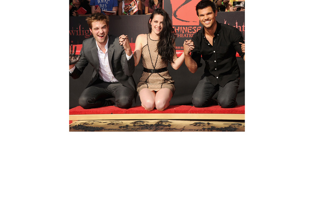 """Breaking Dawn"" Handprint Ceremony -- See It Here!"