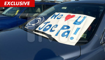 Penn State -- Fans Show Love for Joe Paterno