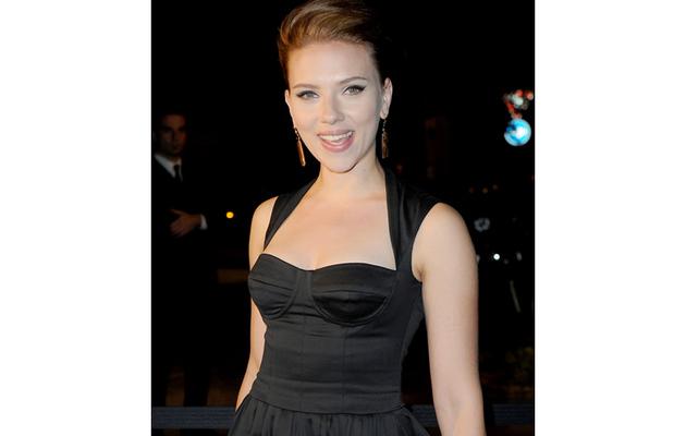 Scarlett Johansson to Make Directorial Debut