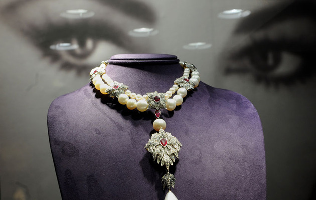 Elizabeth Taylor's Amazing Bling and Dresses Up For Auction