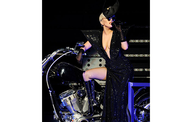 "Lady Gaga Sings ""White KISSmas"" -- Watch the Performance!"