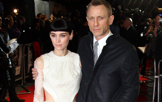 "Rooney Mara Stuns at ""The Girl With the Dragon Tattoo"" Premiere"