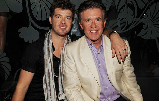 Viral Video: Robin Thicke Channels His Famous Father
