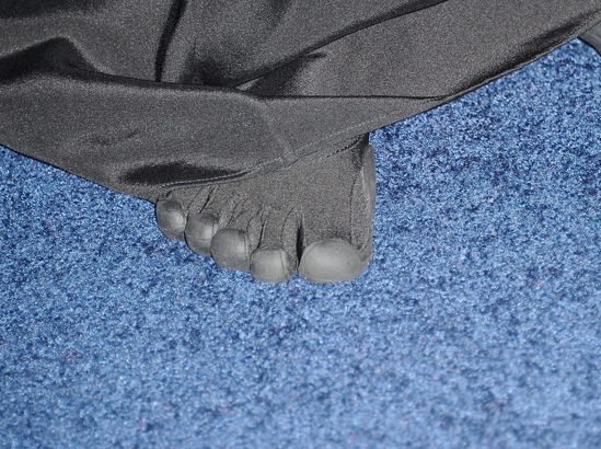 1006_toes