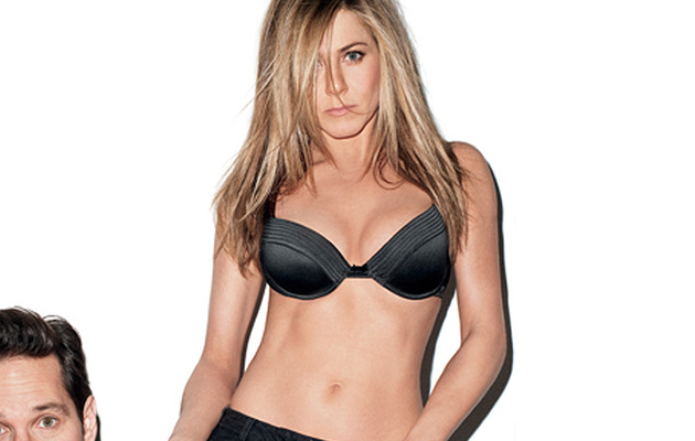 Jennifer Aniston Strips for GQ, Talks Pitt Split & Pregnancy Rumors