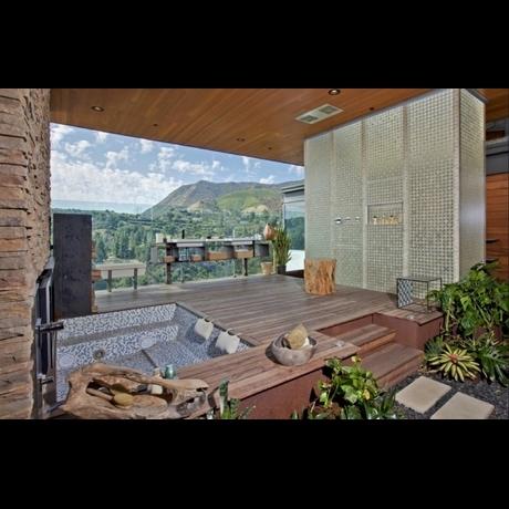 Ashton Kutcher Hollywood Lake House Photo gallery