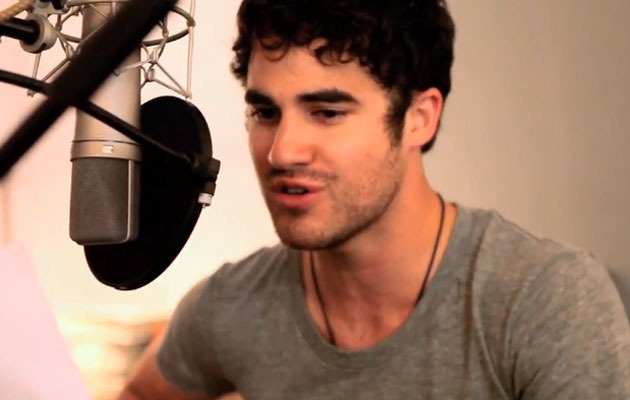 """Glee's"" Darren Criss Sings Bob Dylan with Brother Chuck!"
