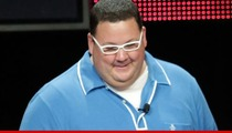 'MasterChef' Graham Elliot FIRES Back at Suit ... I'm Allowed to Take Your Tips!