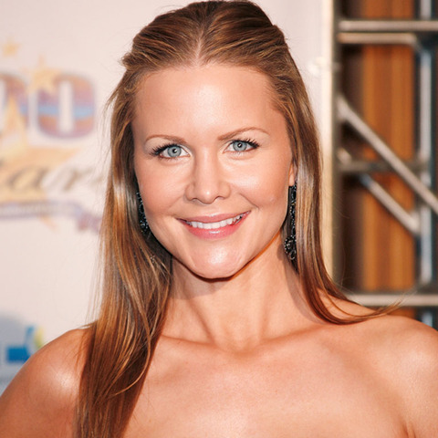Josie Davis -- now 40 years-old -- was spotted out in Los Angeles looking in charge.