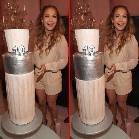 Can you spot the THREE differences in the Jennifer Lopez picture?