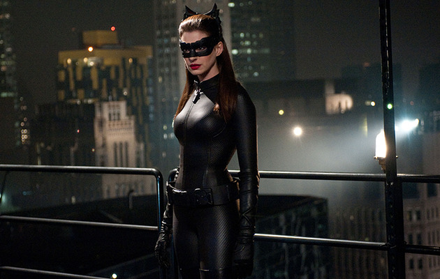 """The Dark Knight Rises"" -- New Photos with Catwoman & Bane!"
