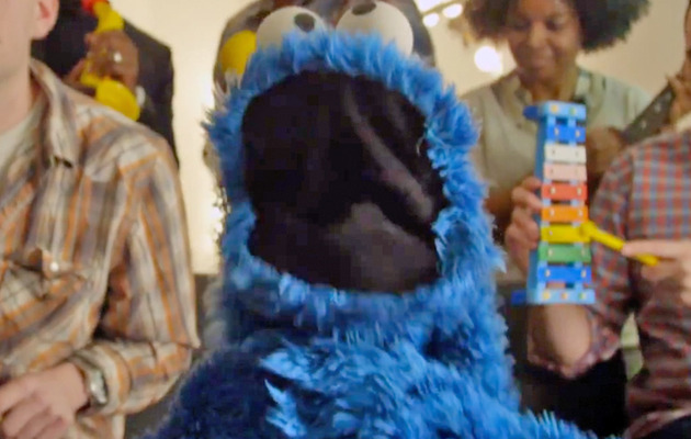 "Cookie Monster Spoofs Carly Rae Jepsen's ""Call Me Maybe"""