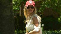 Model Lauren Scruggs -- Celebrates 24th Birthday with New Prosthetic Arm