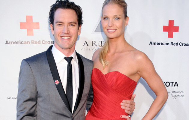 Mark-Paul Gosselaar Gets Married -- See the Wedding Ring!