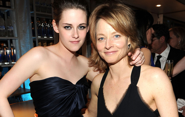 "Jodie Foster Stands Up for ""Panic Room"" Costar Kristen Stewart"