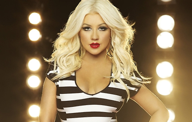 "Christina Aguilera Stuns In New Promo Pics for ""The Voice"""