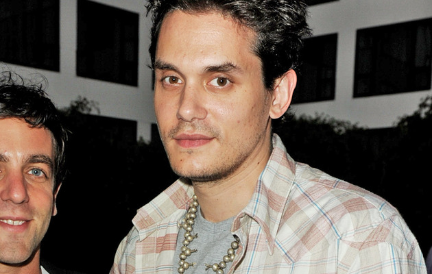 John Mayer Finally Cuts Off the Long Hair!