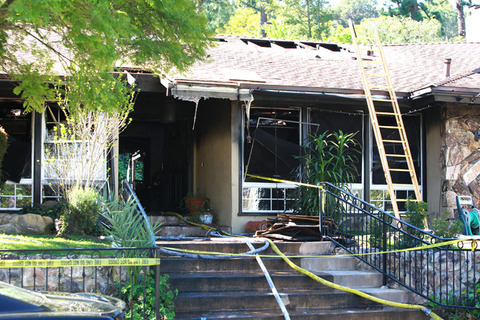 Annette Funicellos House Fire Photo Gallery Picture