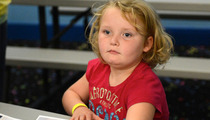 Honey Boo Boo Child 'Signs' Autographs for Fans