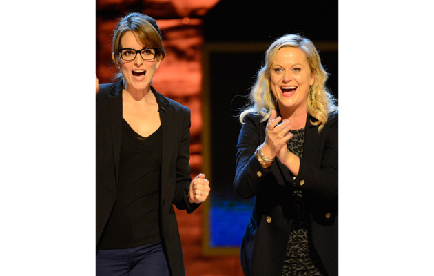 Tina Fey and Amy Poehler To Host the Golden Globe Awards!