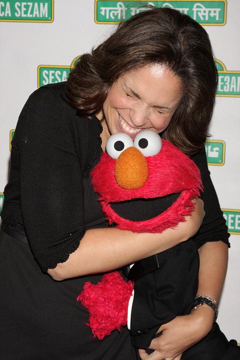 Elmo with Soledad O'Brien