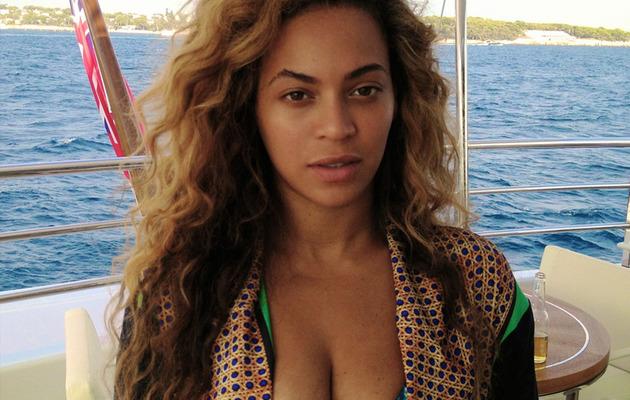 Beyonce Shares Brand New Bikini Pic!