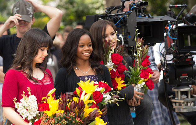 "Gabby Douglas On Set With Cast of ""The Vampire Diaries!"""