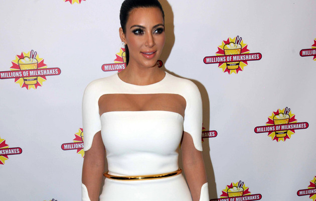 Kim Kardashian Spotted In Kuwait In Sexy (& Weird!) Dress