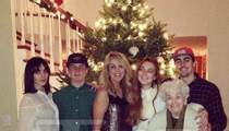 Lindsay Lohan & Family -- FELIZ NO DAD
