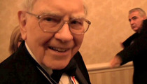 Warren Buffett Parties in DC ... But Does He Make It Rain??? [Video]