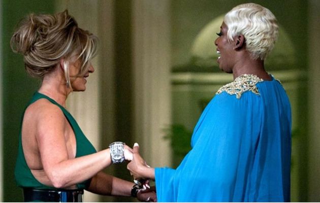 "NeNe Leakes, Kim Zolciak Hug at ""Real Housewives"" Reunion!"