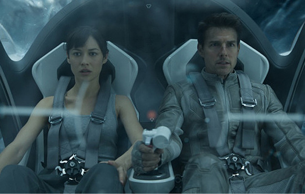 "Movie Review: Will ""Oblivion"" Save Tom Cruise?"