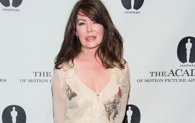 "Lara Flynn Boyle Resurfaces for ""Wayne's World"" Reunion"