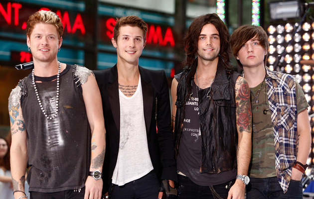 Hot Chelle Rae Heating Up The Summer!
