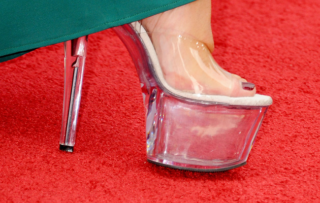 "Helen Mirren Rocks Stripper Heels at ""Red 2"" Premiere!"
