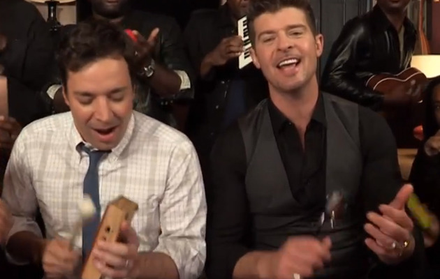 "Robin Thicke & Jimmy Fallon Sing ""Blurred Lines"" with Kids' Instruments"