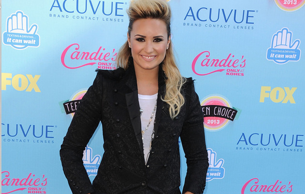 2013 Teen Choice Awards -- See All The Red Carpet Arrivals!
